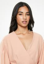 Glamorous - Petite long sleeve belted dress - pink