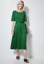 Superbalist - Fit & flare belted dress - green