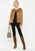 Vero Moda - Allibutton short faux fur jacket - tobacco brown