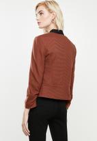 Vero Moda - Inez 3/4 zip blazer boo - mahogany