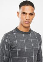 Brave Soul - Nicholls jaquard check crew knitwear - charcoal & grey