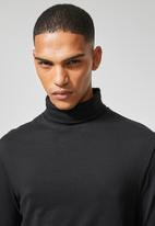 Superbalist - Plain roll neck long sleeve tee - black