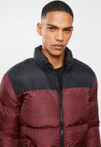 Brave Soul - Cassius printed padded jacket - black & red