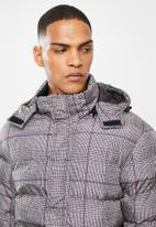 Brave Soul - Stone19 check puffer - black and stone