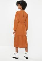 Blake - Tiered midi dress - rust