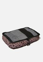 LOST - Medium packing cell - leopard spot