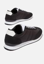 Cotton On - Ryan retro trainer - black & white