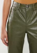 Glamorous - Petite PU crop trouser - khaki