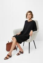 edit - Drapey knit dress - black