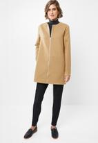 edit - Collarless coat - camel