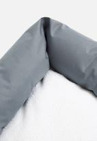Sixth Floor - Kalua pet bed - grey & sherpa