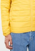 Jack & Jones - Eric hooded puffer - yellow