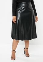 VELVET - Pleather midi skirt - black