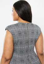 VELVET - Extend sleeve bodycon - black & grey