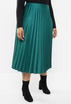 VELVET - Pleated midi skirt - green
