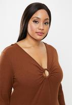 Glamorous - Plus bodycon rust midi  - brown