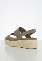Crocs - Brooklyn low wedge - khaki