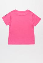 Nike - Nike girl power short sleeve scoop tee - pink
