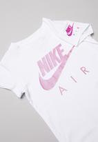 Nike - Nike futura air short sleeve tee - white