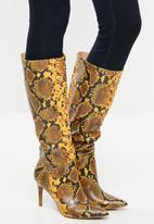 Steve Madden - Kinga boot - yellow & black