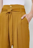 Superbalist - Paperbag trousers - mustard