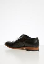 Watson - Leonard leather brogue - black
