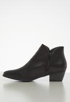 Jada - Slip on ankle boot - black