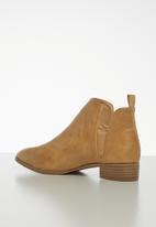 Jada - Brush ankle boot - tan