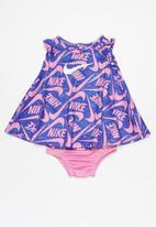 Nike - Nike marker mash aop dress - multi