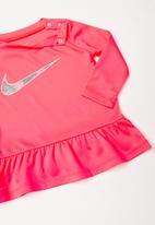 Nike - Nkg peplum tunic and leggings set - black & pink