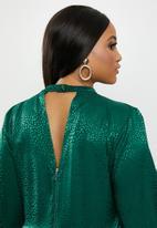 VELVET - Satin midi dress - green