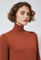 Superbalist - Organic cotton knitwear dress - rust