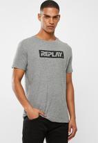 Replay - Center logo chest tee - grey