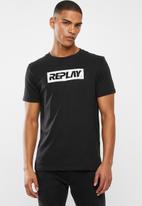 Replay - Center logo chest tee - black