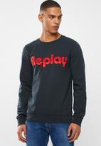 Replay - Replay linear logo crew sweat - navy