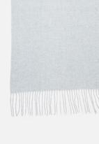 edit - Knitted fringed scarf - grey/blue