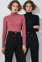 Superbalist - 2 Pack stretch rib poloneck tees - black & pink