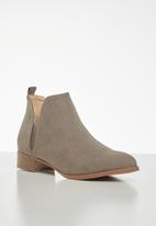 Jada - Brush nubuck ankle boot - neutral