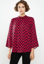 Jacqueline de Yong - Stella long sleeve top - red & black