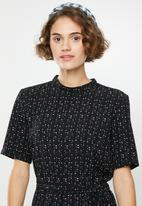Jacqueline de Yong - Piper high neck dress - black