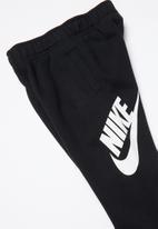 Nike - Nkb futura cuff pant - black