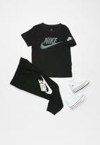 Nike - Nkb futura faux embroidery - black