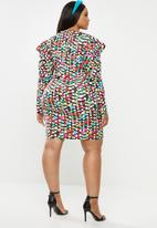 Glamorous - Plus scatter spot mini with puff sleeve - multi