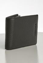 Pringle of Scotland - Dex  bifold  leather wallet - black