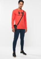 Under Armour - Sportstyle logo long sleeve tee - red & black