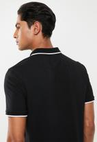 GUESS - Guess short sleeve embroidered polo - black