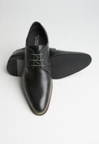 Pringle of Scotland - Greg leather lace up - black