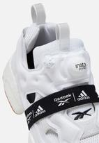 Reebok - Instapump Fury BOOST - white / black / reebok rubber gum