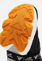 Reebok - Instapump Fury BOOST- black / white / reebok rubber gum