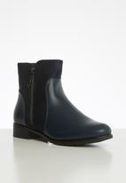 Butterfly Feet - Eloise boot - navy